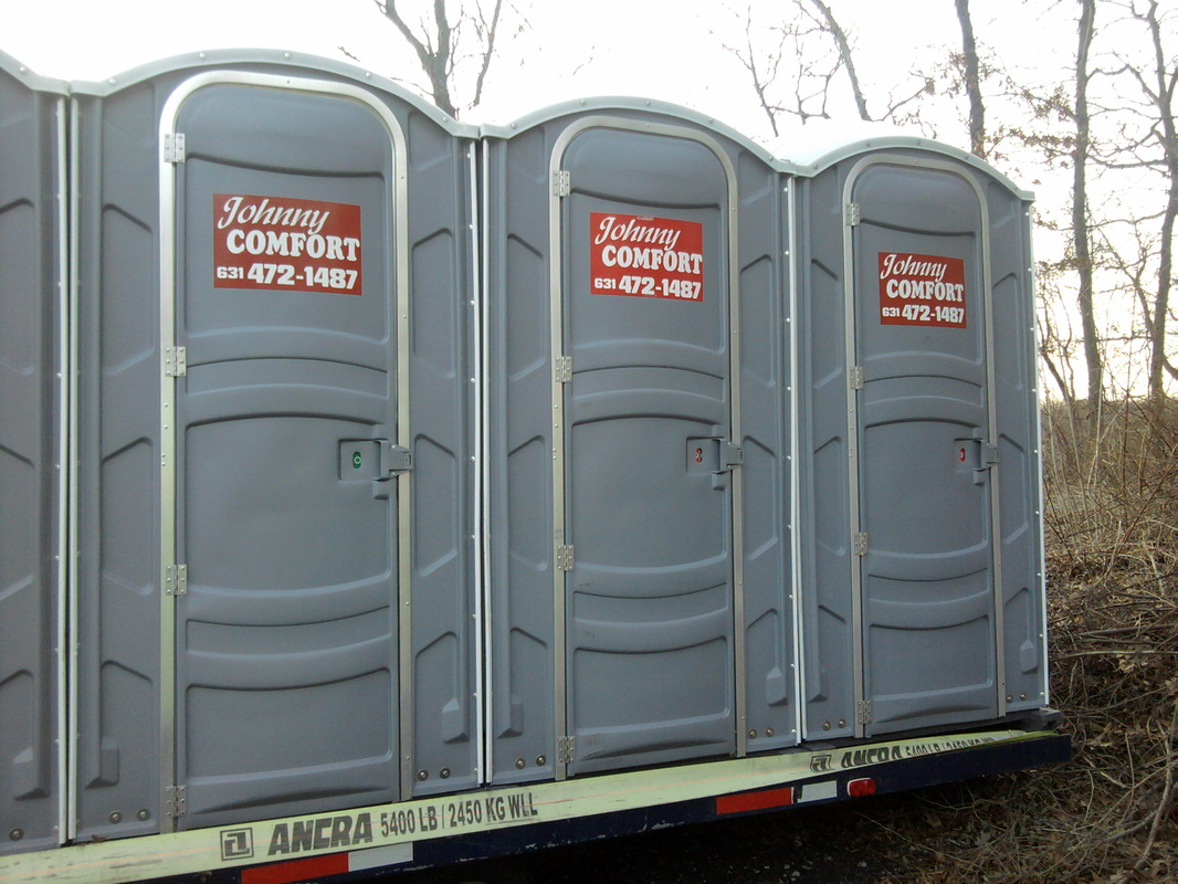 rent portable com a bathroom by toilets